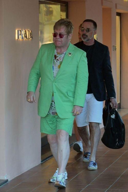 PAY-Elton-John-and-David-Furnish.jpg