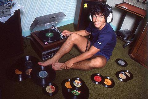 Maradona.jpg.fdc5861f9ec1a37896ac3d776c4855f2.jpg